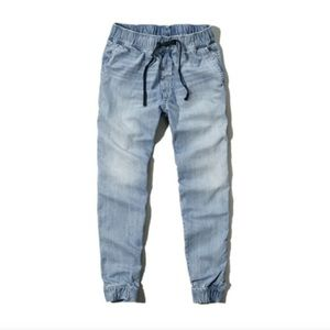 NEW Abercrombie and Fitch Light Wash Denim Joggers